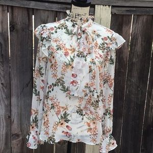 Pre-owned. Floral Ruffled Blouse